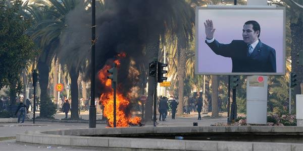 Akhirnya Presiden Hosni Mubarak Mundur