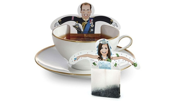 Kantong teh mmenggambarkan Pangeran William dan Kate Middleton tunangannya. Salam kartu dengan dua kantong teh yang menggambarkan pasangan ini dijual di Jerman € 4,95 (US $ 6.8) menjelang pernikahan Royal, yang dijadwalkan berlangsung di London pada tanggal 29 April 2011