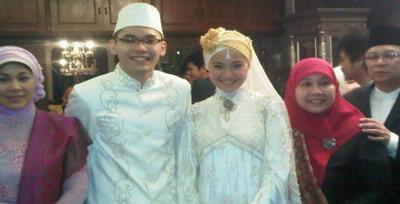 Foto Pernikahan Marshanda - Ben Kasyafani