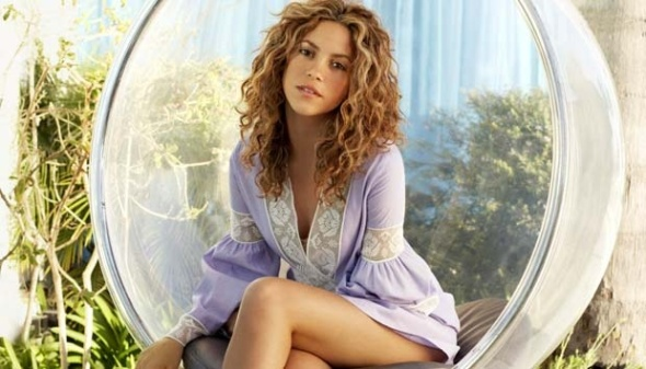 Shakira, penyanyi asal Kolombia adalah kekasih pemain Spanyol Gerard Pique